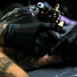 TATUAŻ: Tatuaże w zwolnionym tempie. Niesamowite video z tatuażem w slow motion [VIDEO]
