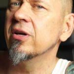 Olaf Deriglasoff - jak szybko wydać płytę w Polsce - zobacz zabawny tutorial gwiazdy polskiego rocka [VIDEO]