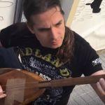 Gitarzysta Megadeth zaczął grać z ulicznymi grajkami w Turcji