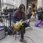 Uliczny gitarzysta którego poleca sam Mark Knopfler!