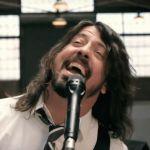 Foo Fighters: Dave Grohl bawi się z Royal Blood! Jego noga wyzdrowiała?