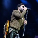 Lenny Kravitz: (seksowna) wpadka na koncercie. Mamy video! [18+]
